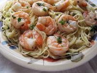 Спагетти с креветками в чесночном соусе