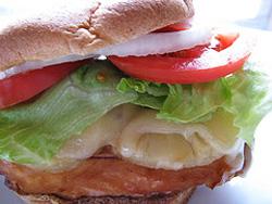 Сэндвич с курицей в соусе терияки